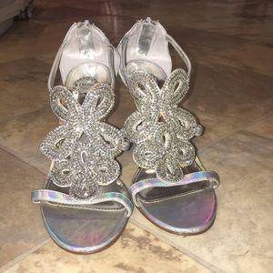 Stylish Silver Shiny Heel ❤️